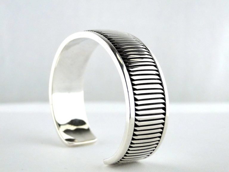 Sterling-Silver-Navajo Silversmith-Handcrafted-Jewelry-Southwestern Jewelry