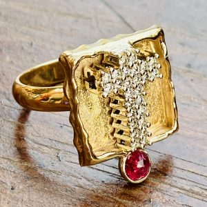 .50 CTW. Diamond,Ruby,Cross,14k,Gold,Ring